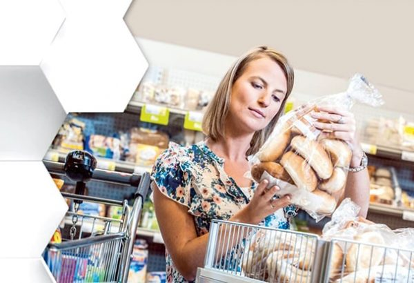 devojka market kupovina hrana